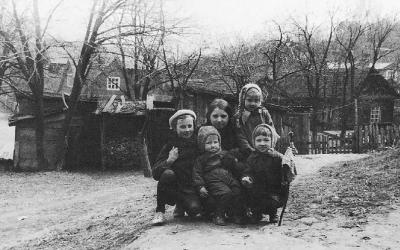 Goda Damaševičiūtė. TAI MANO KIEMAS. Vaikystė ir kiemo fenomenas vėlyvuoju sovietmečiu (NŽ-A nr. 1)